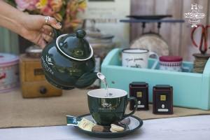 Tetera y taza de té